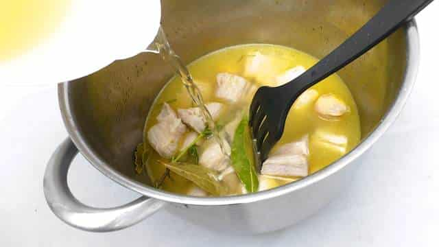 Time for a French classic dish: a white mushroom and succulent braised veal stew recipe... Also known as blanquette de veau!