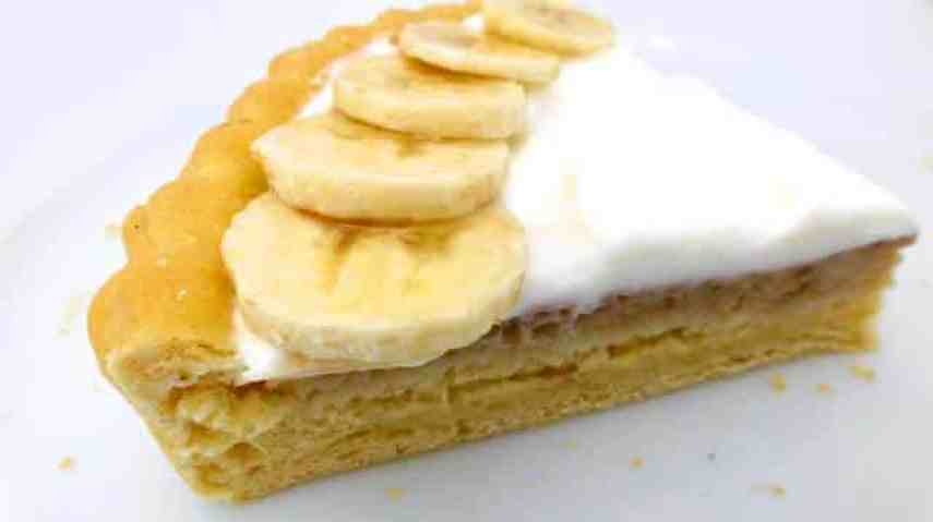My easy banana pudding recipe: time for a good old-fashioned but light and easy dessert recipe! Do you like homemade banana pie?