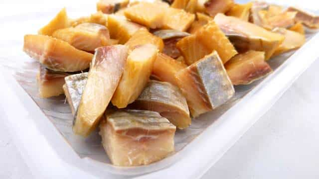 My fresh and filling French potato salad recipe with smoked herring, cooked potatoes and a creamy mayonnaise and dill dressing...