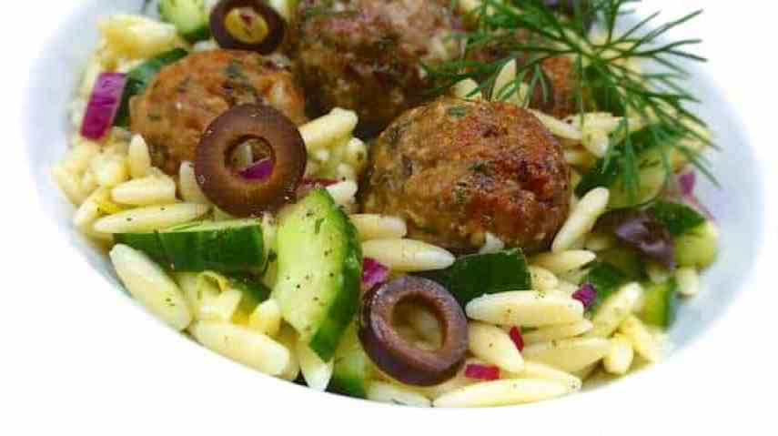 Here's a gorgeous pasta lunch salad for you to try out: my Greek pasta salad with juicy lamb meatballs, fresh dill and cucumber.