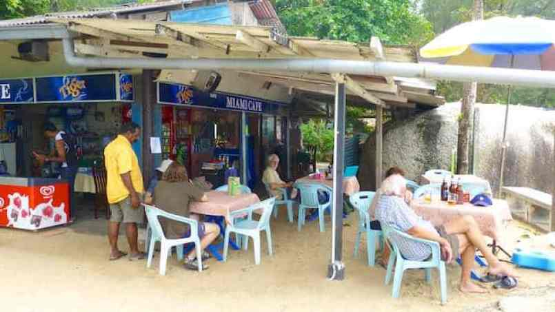 Read all about Rajah's Miami Cafe Batu Ferringhi and Mary's great food! This little restaurant is a quiet paradise, with lovely ocean views.