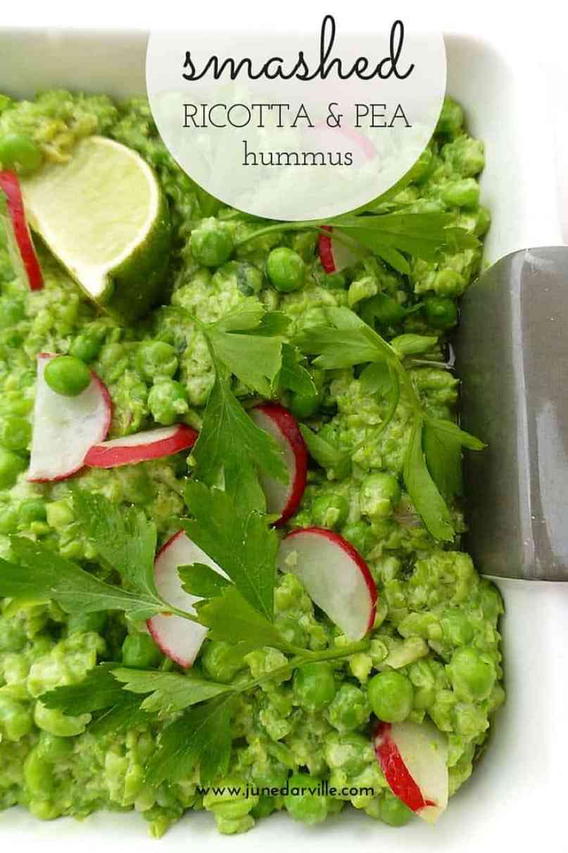 A chunky pea hummus with ricotta cheese and mint! This fresh and easy dip is a great alternative for the classic mezze dipping sauces!