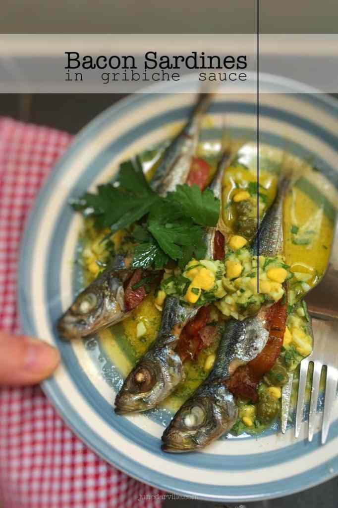 My roasted easy bacon sardines topped with a crumbly egg gribiche sauce… What a great fish lunch with a classic French twist!