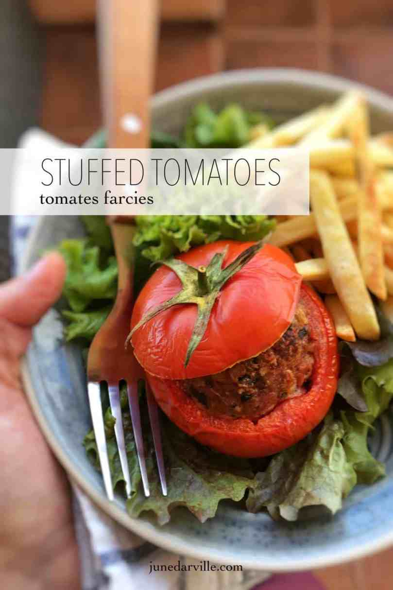 Here's my baked stuffed tomatoes recipe with minced beef, served with golden fries and a crisp green salad... A Belgian classic!