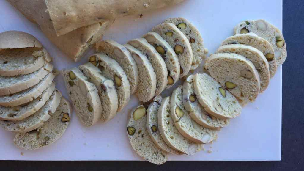 Here's an Italian delicacy to try at home: my almond biscotti recipe! Super crunchy Tuscan almond cookies, also known as cantucci!