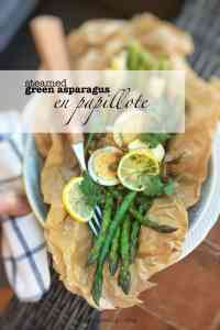 Summer lunch or vegetable side dish: these steamed asparagus look mouthwatering! Bet you will love this simple vegetable side dish...
