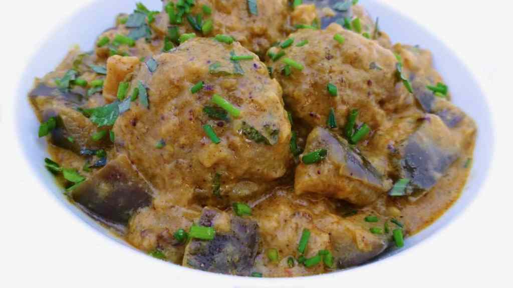 Eggs are a great vegetarian protein alternative. How about this spiced quail egg and eggplant curry recipe for dinner tonight?
