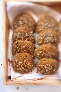 Looking for eggless sweet treats? Then check out my eggless hazelnut cookies! A sugary bite to accompany my afternoon cup of coffee...