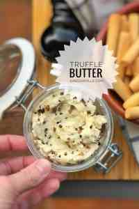 A nice and easy truffle butter recipe... spread it on toast with sea salt or add it to al dente pasta to make a delicious truffle butter spaghetti!