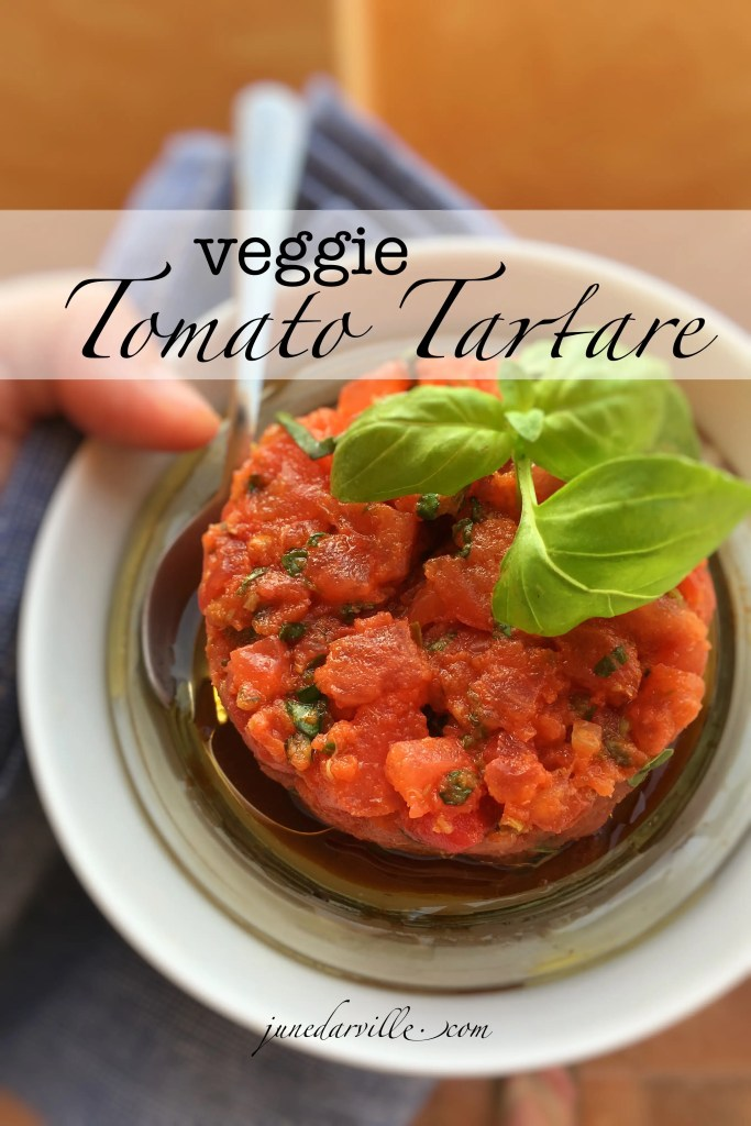 Are you looking for a great veggie starter for your next summer party? Then do try out my tomato tartare recipe: fancy looking but so easy to make in advance!