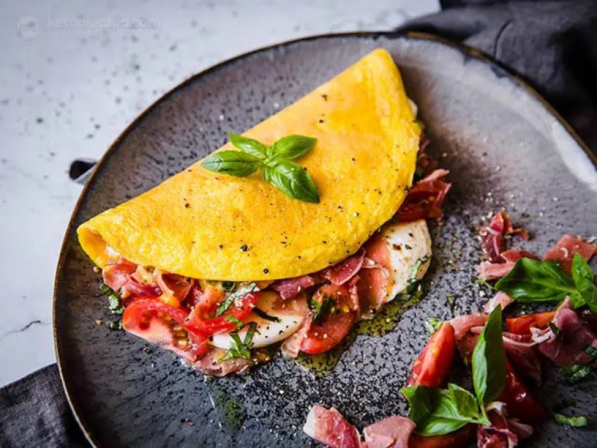 Do you know how to make an omelet? Omelet are great for breast, lunch or dinner. Check out these 20 omelet recipes for more inspiration!