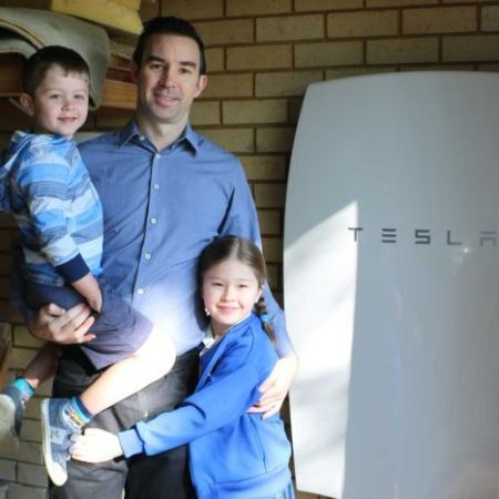 PHOTO: Murray Green installed a solar battery in his Sydney home last year. (ABC News: Rebecca Armitage )