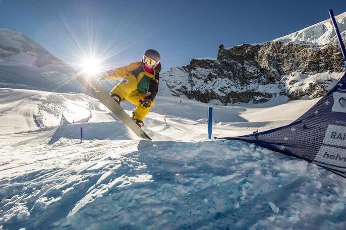 Die Mattnerin Stefanie Rieder – hier beim herbstlichen Training auf dem Gletscher von Saas-Fee – darf im April an der Junioren-Weltmeisterschaft im italienischen Valmalenco teilnehmen.
