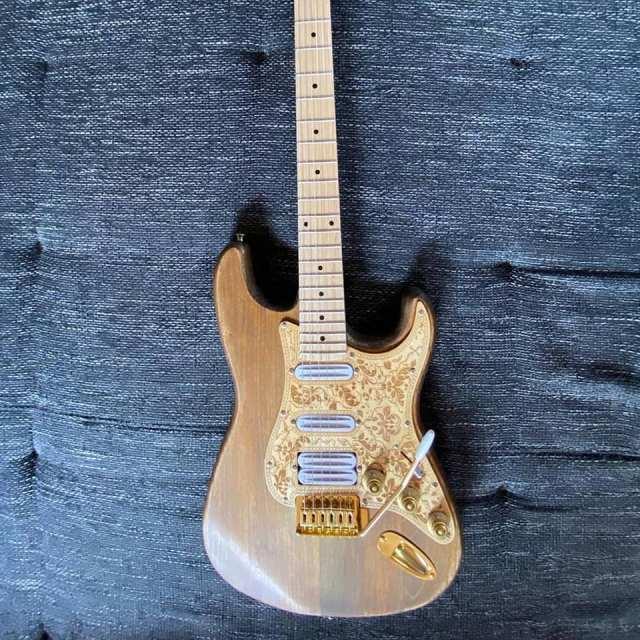 Eine selbst gebaute Gitarre