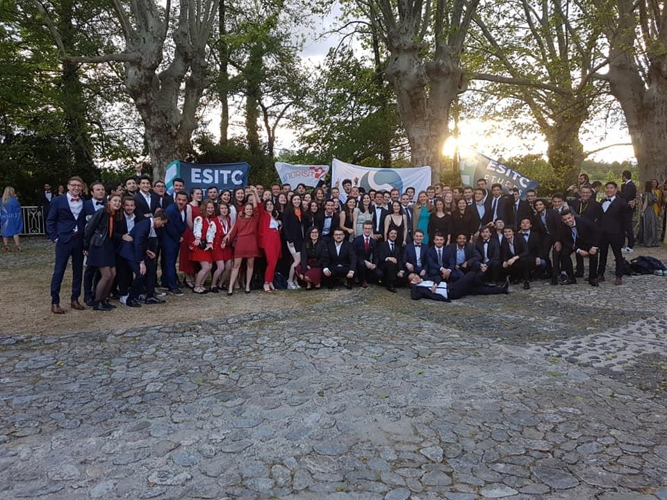 Article CNE 19 Junior ESTACA Paris-Saclay Photo groupe juniors