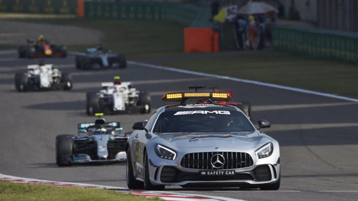Image d'une safety car sur circuit de F1