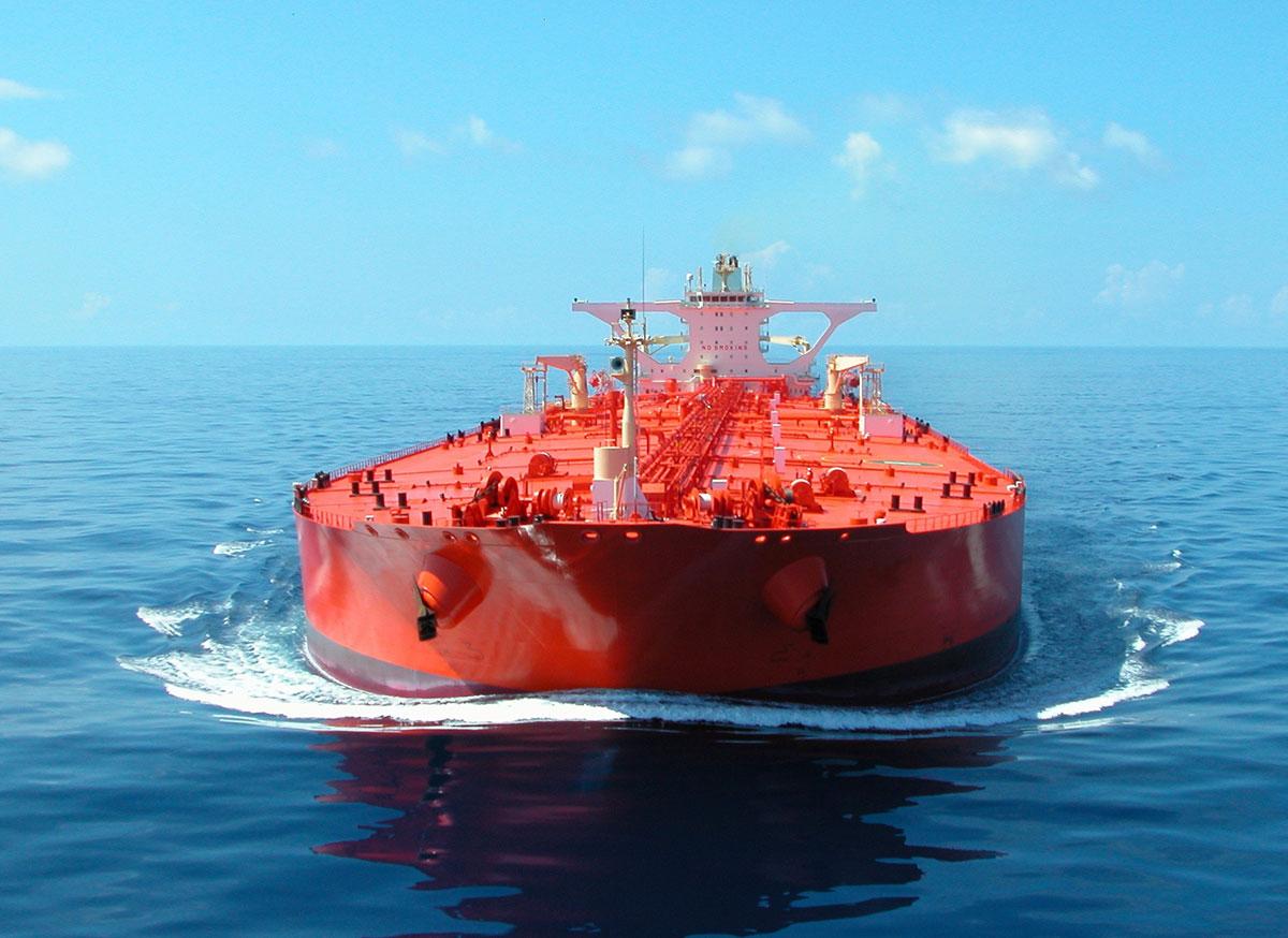 (émissions des navires) Nouveau navire (VLCC) de total au GNL