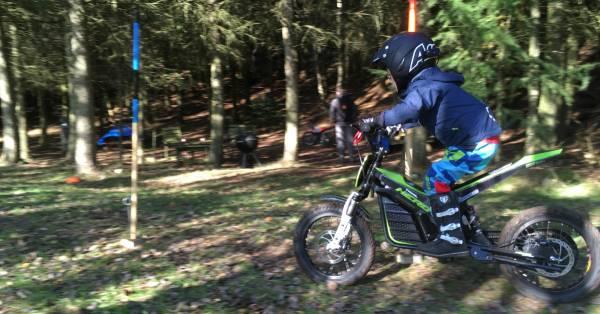 Doing slalom on KUBERG Trial HERO