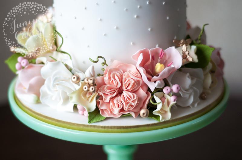 Handmade sugar gardenias, tulips, sweet peas and juliet roses by Juniper Cakery