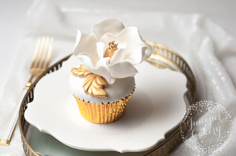 Magnolia flower cupcake tutorial by Juniper Cakery