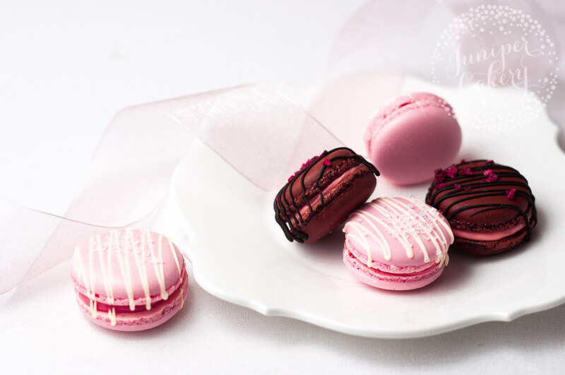 Strawberries and Champagne macarons by Juniper Cakery