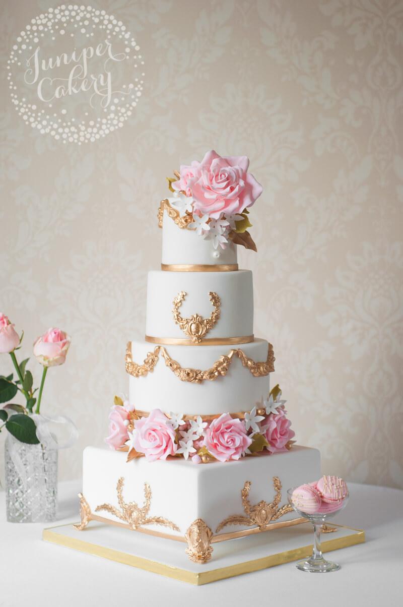 2019 year lifestyle- Gold and blush wedding cake
