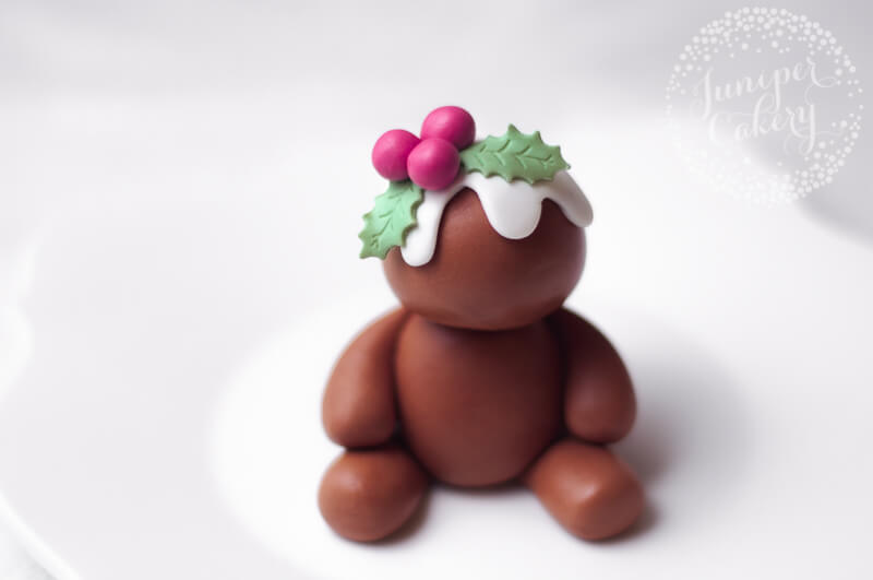 Fondant gingerbread cake topper tutorial from Juniper Cakery