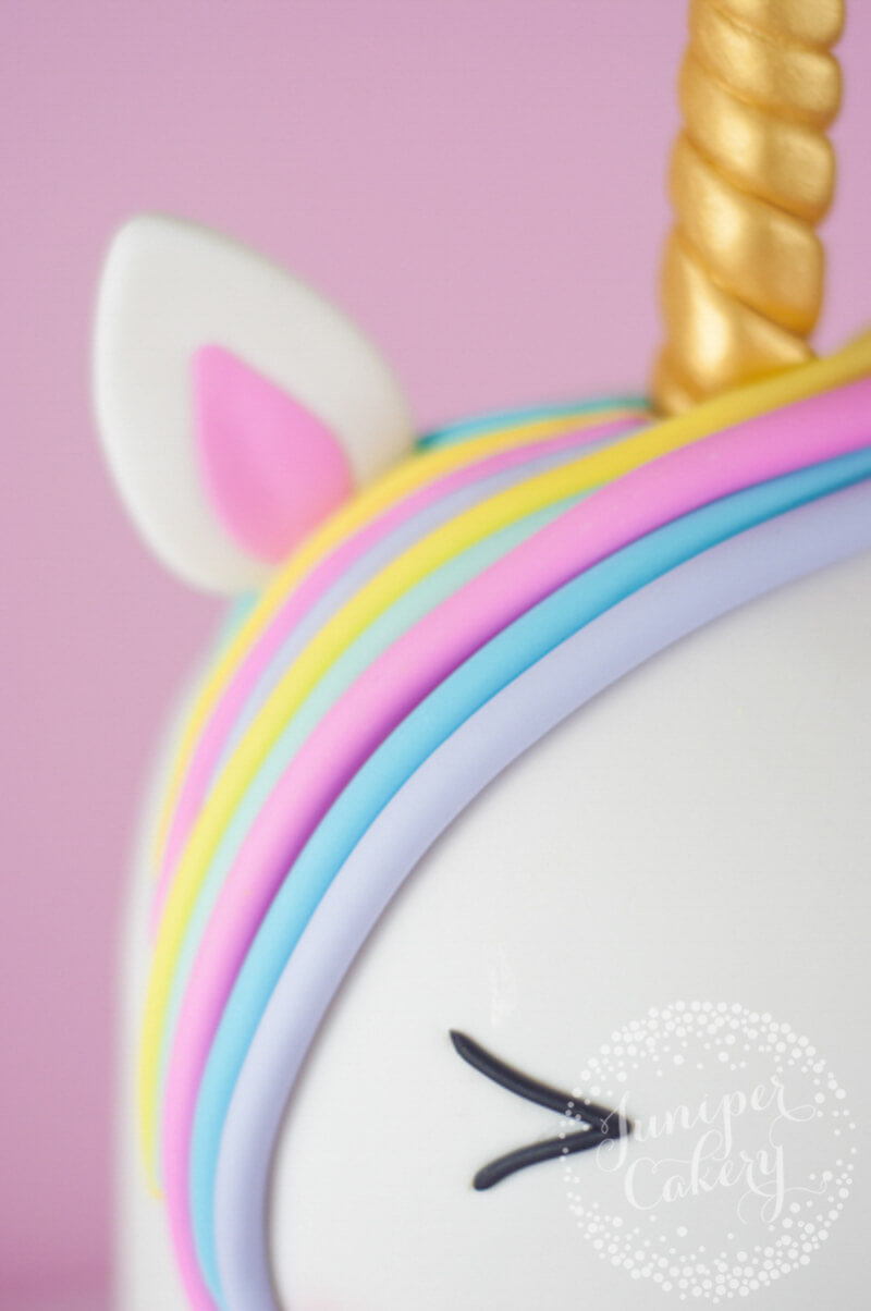 Rainbow unicorn cake tutorial by Juniper Cakery for Craftsy.com
