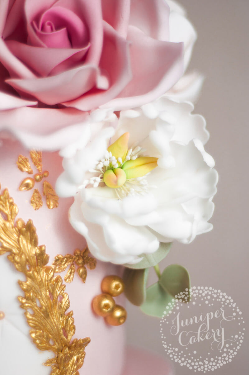Sugar flower detail by Juniper Cakery