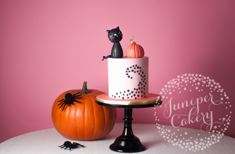 eBay #fillyourcartwithcolour Halloween cake by Juniper Cakery