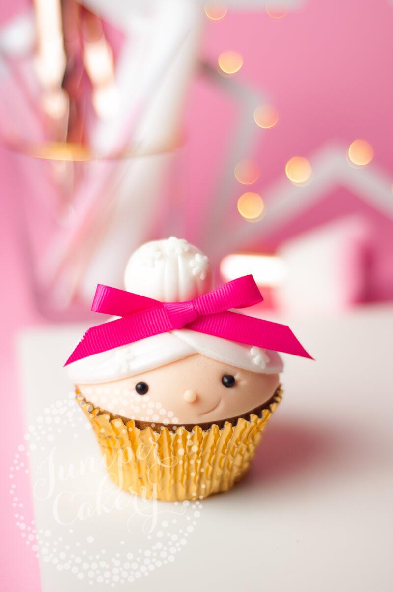 Festive Christmas cupcake tutorial