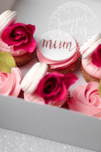 Mother's Day Cupcakes & Macarons!