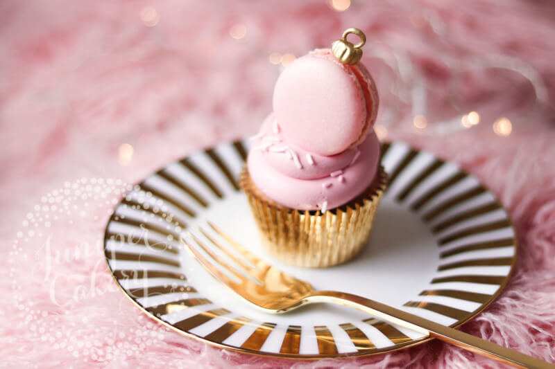 Macaron bauble cupcake by Juniper Cakery