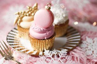 Festive Christmas cupcakes by Juniper Cakery
