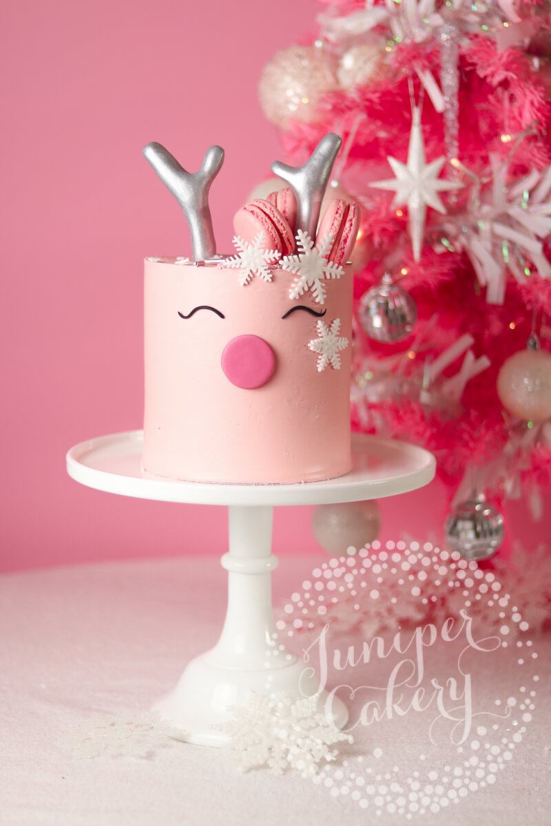 Gorgeous reindeer cake tutorial by Juniper Cakery for Benefit Cosmetics UK