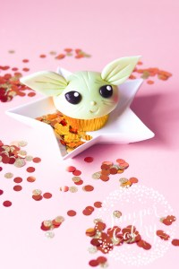 Baby Yoda Cupcake Tutorial with Tala!