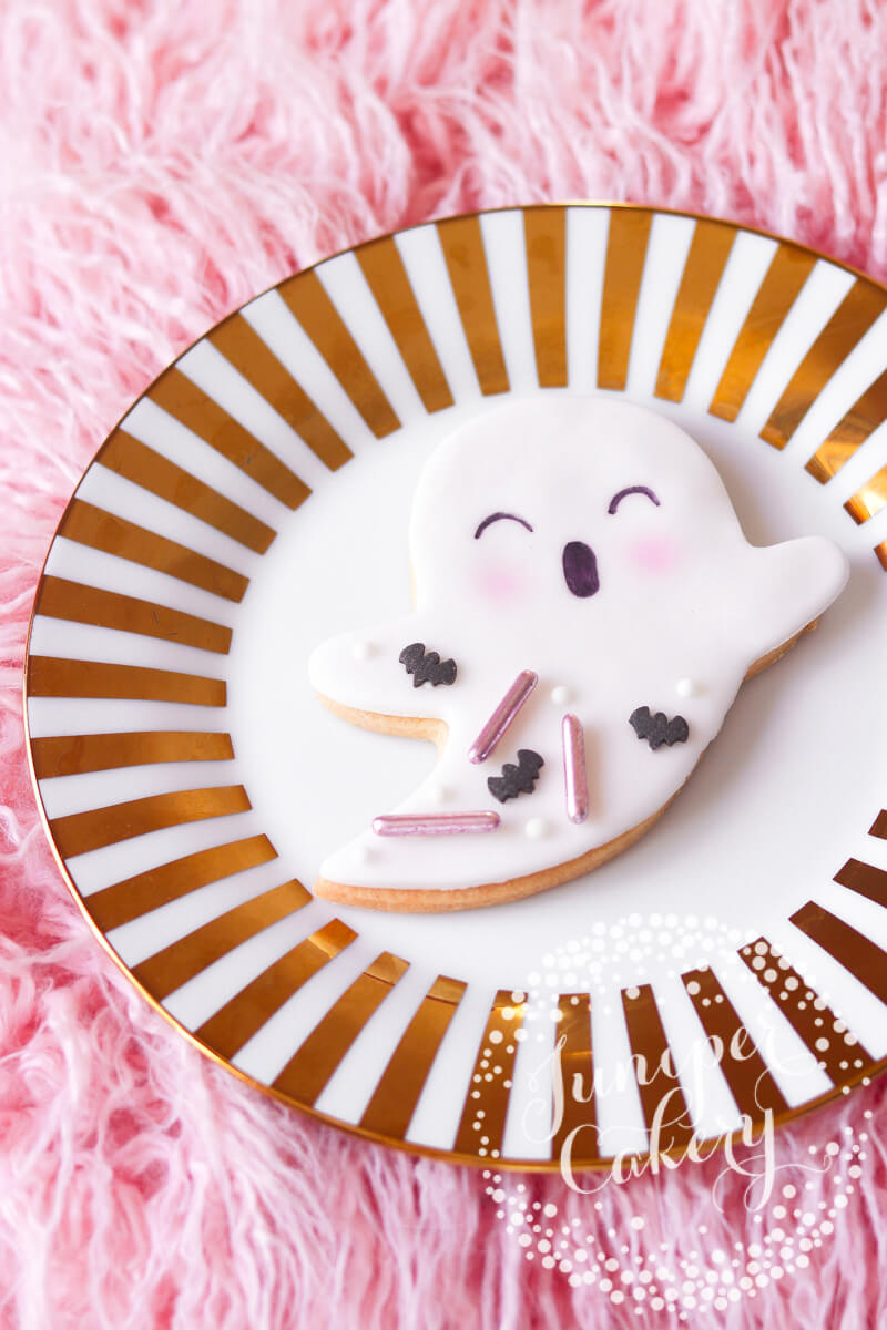 Cute ghost cookies by Juniper Cakery for UK delivery