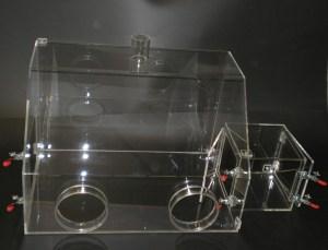 Laborboxen aus PLEXIGLAS®