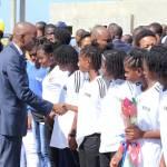 Jovenel Moïse accueille chaleureusement les Grenadières 47