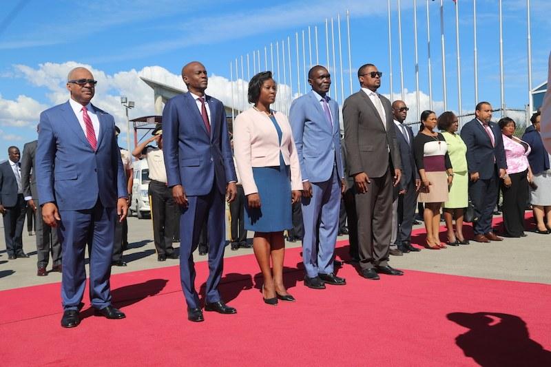 Le president Jovenel Moïse, accompagné de Joseph Lambert et Gary Bodeau laisse la capitale ce mercredi en direction de Rome 44