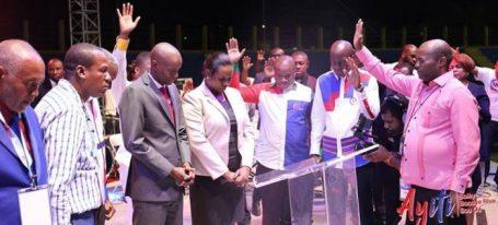 In Haïti : les membres du gouvernement se joignent à la chaîne 32