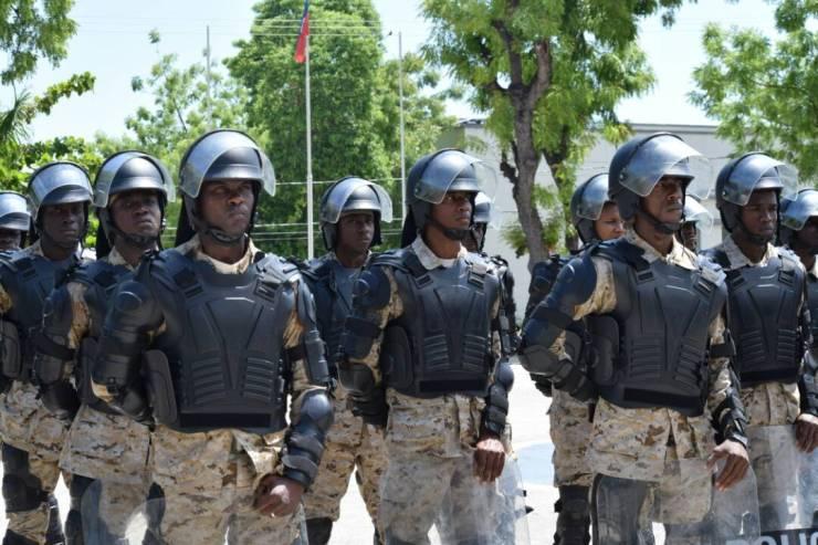 Haïti / Sécurité : 106 policiers 99 hommes dont 7 femmes viennent de renforcer les rangs du CIMO 43
