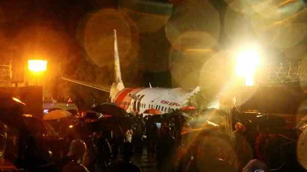 En Inde un avion sorti de piste, 14morts et 15blessés graves à déplorer
