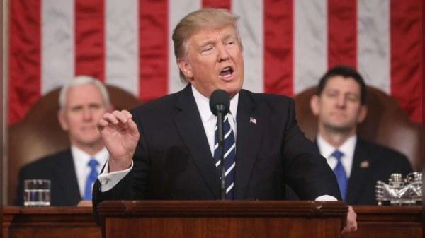Covid-19 : Trump menace de suspendre le Congrès