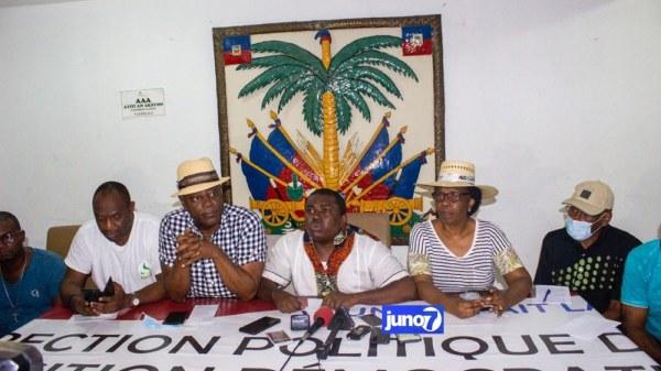 Mobilisation du 18 novembre: l'opposition politique parle de réussite, Moïse Jean-Charles les traite de vagabonds