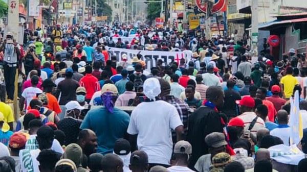 Mobilisation du 18 novembre: une première vague de manifestants réprimés à Delmas 48