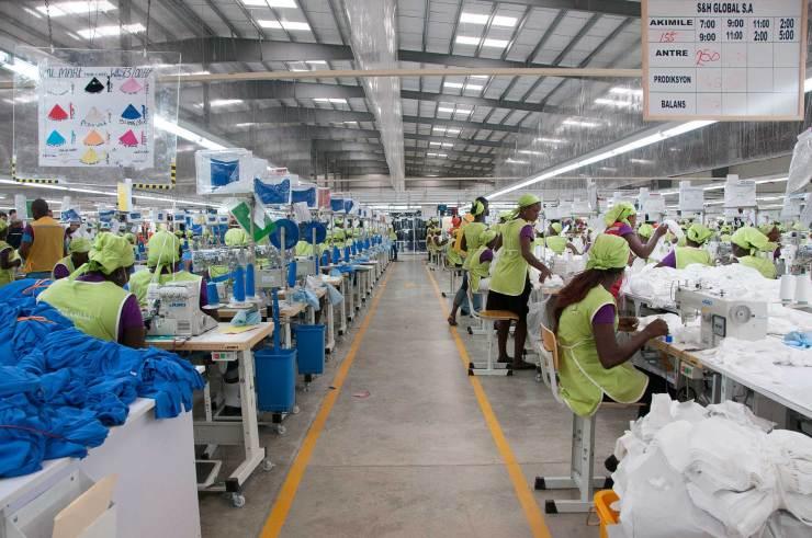 Covid-19 Haïti: les ouvriers recevront la moitié de leur salaire