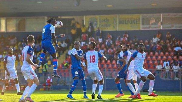 Haïti bat le Belize 2-0