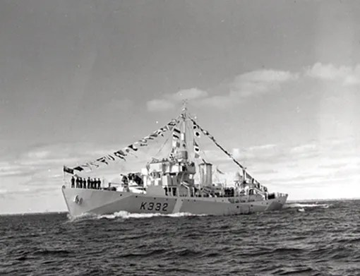 On 23 October 1944, four days after being commissioned in Kingston, revised Flower class corvette HMCS Belleville pays a visit to her namesake city. The RCN encourages such courtesy calls to foster patriotic feelings in the population.