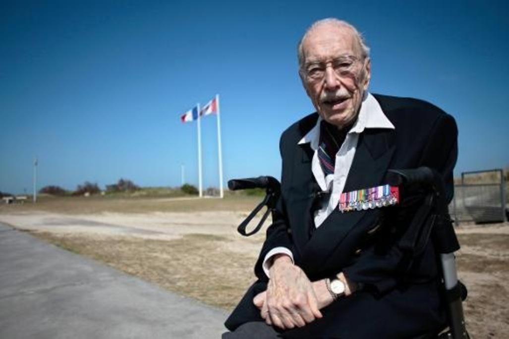 Le-jour-J-d-Ernest-Cote-veteran-canadien-centenaire_article_popin
